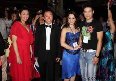 刘策文代表中国环境NGO组织与世界环境NGO组织共同交流互动